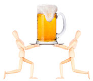 Hölzerner blinder Kellner mit Bier auf Behälter Lizenzfreie Stockfotos