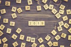 hölzerner Block von 2019 Wort auf Tabelle für Geschäftskonzept Stockfotografie