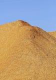 Hölzerner Chips Sawdust Pile Vertical Lizenzfreies Stockfoto