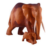 Hölzerner Elefant mit Kalb Stockbild