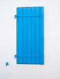 Hölzerner Fensterfensterladen lizenzfreies stockfoto