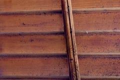 Hölzerner Fensterladen Stockbild