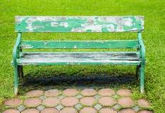 Hölzerner grüner Stuhl Lizenzfreies Stockbild