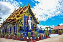 Hölzerner Guan Im Buddha in Wat Huay Pla Kang-Tempel lizenzfreie stockbilder