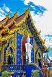 Hölzerner Guan Im Buddha in Wat Huay Pla Kang-Tempel lizenzfreies stockfoto
