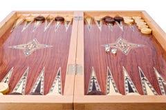 Hölzerner handgemachter Backgammonvorstand getrennt auf Weiß Lizenzfreie Stockfotografie
