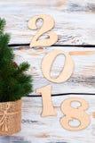Hölzerner Hintergrund 2018 des neuen Jahres Stockfoto