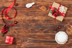 Hölzerner Hintergrund mit Kopienraum Weihnachten Stockfotografie