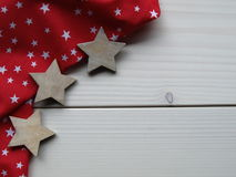 Hölzerner Hintergrund mit Sternen lizenzfreies stockfoto