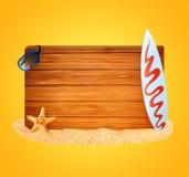 hölzerner Hintergrund und Surfbrett lizenzfreies stockfoto