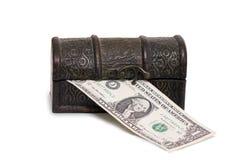 Hölzerner Kasten mit Geld Stockbild