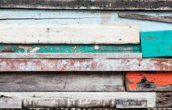 Hölzerner materieller Hintergrund für alte Weinlesetapete für Hintergrund, herausgestelltes hölzernes Wandäußeres Stockbilder