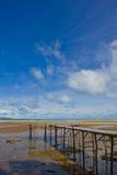 Hölzerner Pier auf Meer Lizenzfreies Stockfoto