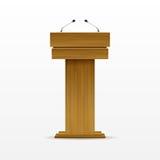 Hölzerner Podium-Tribüne-Podiums-Stand mit Mikrofon Lizenzfreies Stockfoto