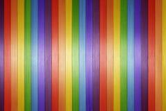 Hölzerner Regenbogen-Hintergrund lizenzfreie stockfotografie