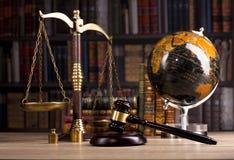 hölzerner Richter ` s Hammer gesetz Richter ` s Büro lizenzfreies stockbild