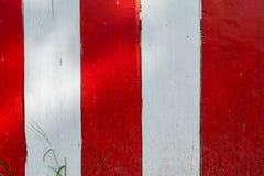 Hölzerner roter weißer Hintergrund Stockbild