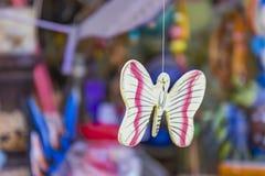 Hölzerner Schmetterling Lizenzfreie Stockbilder
