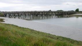 Hölzerner Steg bei Shoreham in Sussex stockfotos