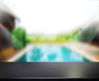 Hölzerner Tischplatte-Hintergrund und Pool 3d übertragen Lizenzfreie Stockbilder