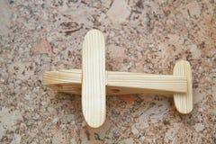 Hölzerner Toy Plane lizenzfreie stockbilder