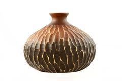 Hölzerner Vase auf weißem Hintergrund Lizenzfreies Stockfoto