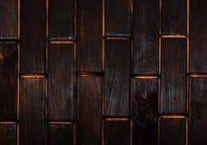 Hölzerner verkohlter Boden von Plättchen Ansicht von oben Boden als Element des Innenraums stockfoto