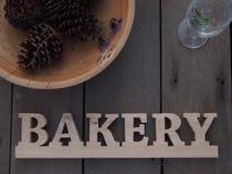 Hölzernes Bäckereizeichen Lizenzfreies Stockbild