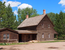 Hölzernes Bauernhof-Haus Stockfoto