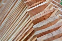 Hölzernes Bauholz benutzt für Bau Lizenzfreie Stockbilder
