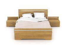 Hölzernes Bett mit Leinen lizenzfreies stockfoto