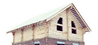 Hölzernes Blockhaus lokalisiert auf weißem Hintergrund Lizenzfreie Stockbilder