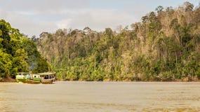 Hölzernes Boot in der Mitte von Nirgendwo Lizenzfreie Stockfotos