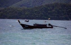 Hölzernes Boot Phuket Thailand des langen Schwanzes Stockfoto