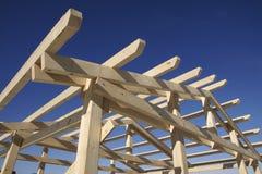 Hölzernes Dach während im Bau Lizenzfreie Stockfotografie