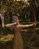 Hölzernes Elf-Bogenschütze-Mädchen im Wald Lizenzfreies Stockfoto