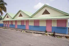 Hölzernes farbiges Haus Stockfotos