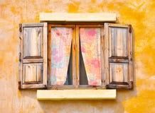 Hölzernes Fenster lizenzfreies stockbild