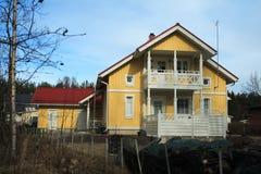 Hölzernes finnisches Haus Lizenzfreies Stockbild