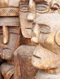 Hölzernes geschnitztes Ritualstatuengesicht Selektiver Fokus Stockfotos