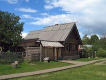 Hölzernes Haus. Lizenzfreie Stockbilder