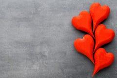 Hölzernes Herz geformt Vektor eingestellt: Stilvolle 2014 Pferde Valentine& x27; s-Tagesgruß Lizenzfreies Stockfoto