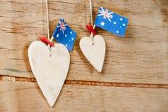 Hölzernes Herz mit australischer Flagge Lizenzfreie Stockfotos