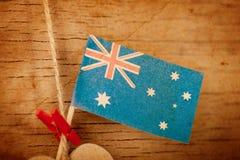 Hölzernes Herz mit australischer Flagge Lizenzfreies Stockbild