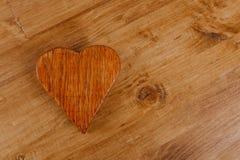 Hölzernes Herz, Valentinsgrußtag stockfotografie
