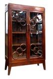 Hölzernes Kabinett der antiken asiatischen Art von Thailand lokalisierte auf whi Stockbild