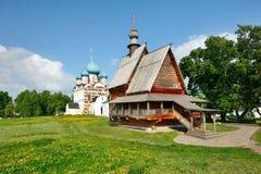 Hölzernes Kirche Nikolas in Suzdal Kremlin. Stockfotografie