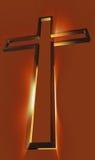Hölzernes Kreuz mit Strahlen Lizenzfreie Stockfotografie