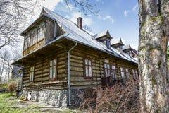 Hölzernes Landhaus Wiosna in Zakopane Stockfotografie