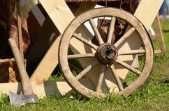 Hölzernes Rad des Lastwagens lizenzfreies stockbild